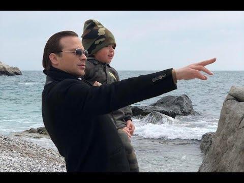 36-летний российский актер Алексей Чадов не так часто, как хотелось бы его поклонникам, публикует ка